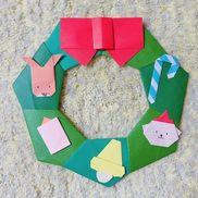 折り紙でリースを作りました⑅◡̈*