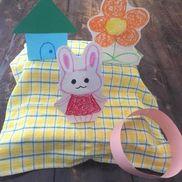 乳児さんも楽しめそうなわなげ遊び〜少ない材料でできる手作りおもちゃ〜