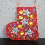 紐通しで作る靴下のクリスマス飾り〜手先を使ったクリスマス製作〜
