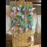 【夏の飾り】・朝顔→染め紙・葉っぱ→画用紙・つる→すずらんテープ