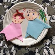【七夕製作】【5歳児製作】【準備物】紙皿 折り紙 画用紙 マーカー子ども達それぞれの個性のでた織姫と彦星が出来てとても可愛かったですよ♪