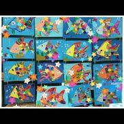にじいろのさかな7月の壁面にしましたウロコの部分は柄の折り紙を切ったものです!