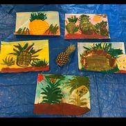 「パイナップル」4歳児ポスターカラー、コンテパイナップルはどうやって成るのかを学んだ後色混ぜをして思い思いに描きました。