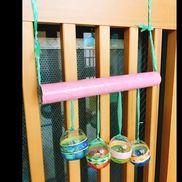 【壁掛けマスカラ(0歳児)】・ガチャポンの空容器・ロール芯・スズランテープ・ビニールテープ・マスキングテープ・ビーズなどの音のなる物(誤飲に注意)