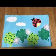 《絵描紙 「クローバー」》・1歳児・5月・指スタンプ