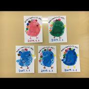年賀はがきクレパス絵の具油性ペンネットの保育サイトに載っていたのを参照にして作ってみました(*´▽`*)