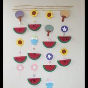 夏の壁飾り指スタンプでスイカ1歳児