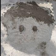 5歳児「先生の顔」♪( ´▽`) 砂場あそび
