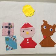 12月 制作1.2歳サンタ、トナカイさんの目や鼻はシールプレゼントは1人4個選んで貼る