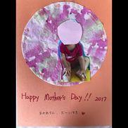 【母の日製作】1歳児 にじみ絵コーヒーフィルターにスポイトで絵の具を垂らす。