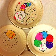 【紙皿 ペープサート】  ➀テーマ  ひよこ  ②材料     ・紙皿 3枚・カラーペン (ポスカ) ・はさみ